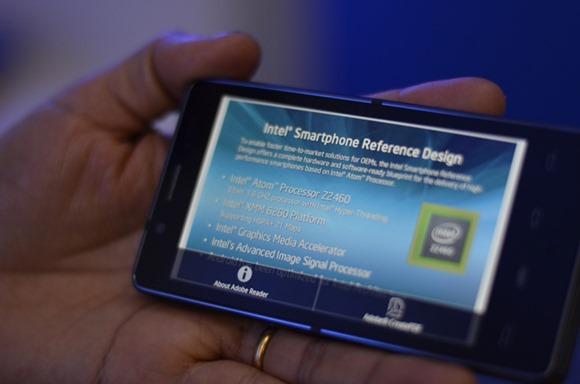 Intel_Smartphone_689
