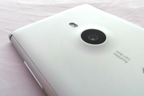 Nokia-Lumia-925-Back-Camera