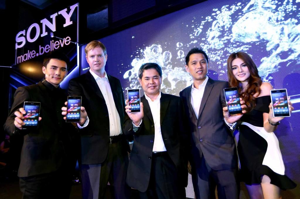 โซนี่ เปิดตัว Xperia? Z1 ที่ควงคู่มากับ 2 อุปกรณ์เสริมสุดล้ำ Sony Smart Watch 2 และ Smart Bluetooth? Handset