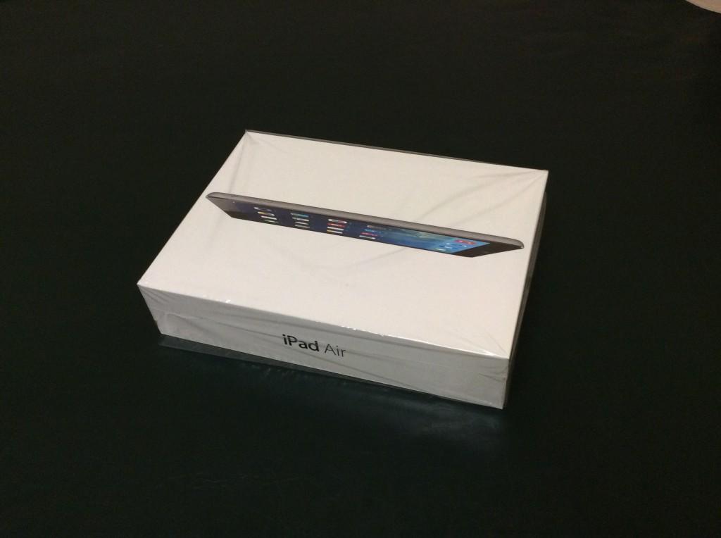 แกะกล่อง iPad Air เครื่องหิ้วฮ่องกง มาดูว่าข้างในมีอะไรบ้าง