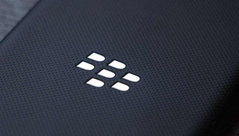 สื่อวิเคราะห์ BlackBerry อาจต้องเลิกสร้างมือถือ ถ้ายอดขายยังคงลดลงอยู่อย่างนี้