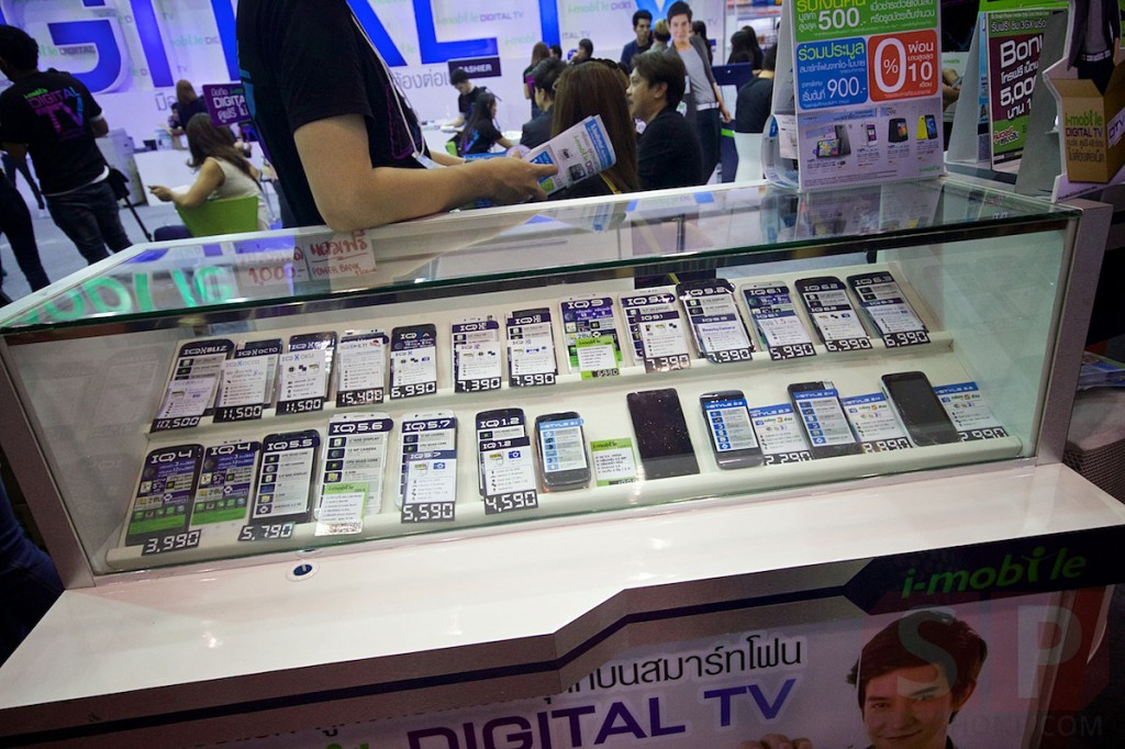 Thailand-Mobile-Expo-2014-Hi-End-SpecPhone 048