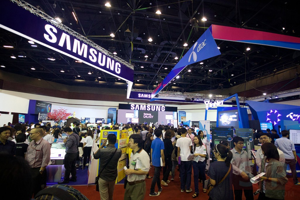 Thailand-Mobile-Expo-2014-Hi-End-SpecPhone 076