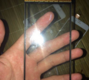 Front-panel-of-the-Apple-iPhone-6-leaks (3)