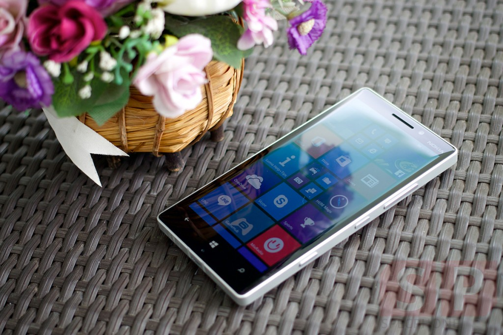 Review-Nokia-Lumia-930-SpecPhone 004