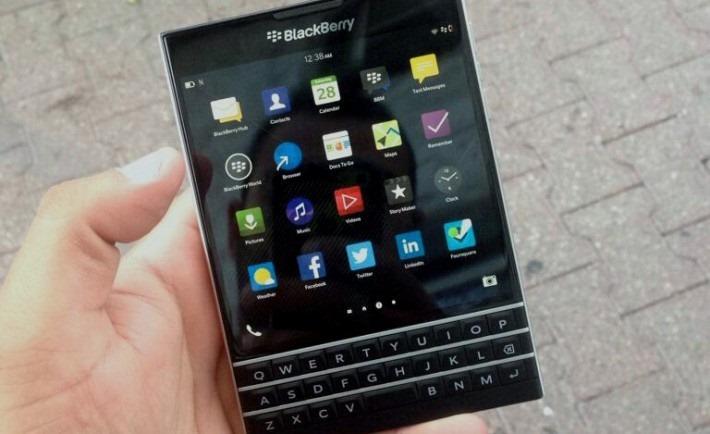 เผยสเปค BlackBerry Passport แบบเต็ม จอ 4.5 นิ้ว 1440p, Snapdragon 800, แบต 3450 mAh