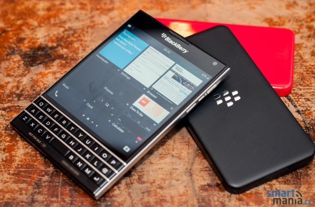 New-pictures-of-the-BlackBerry-Passport