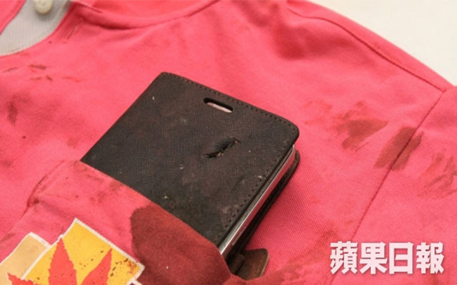 หลวงพ่อเรียกพี่.. Galaxy Mega 6.3 กลายเป็นเกราะรับกระสุน ช่วยชีวิตเจ้าของในจีนแบบเฉียดตาย