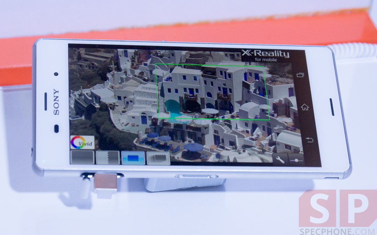 Hands-on-Preview-Sony-Xperia-Z3-Xperia-Z3-Compact-Xperia-Z3-Tablet-Compact-Smartwatch-3-Smartband-Talk-SpecPhone-20
