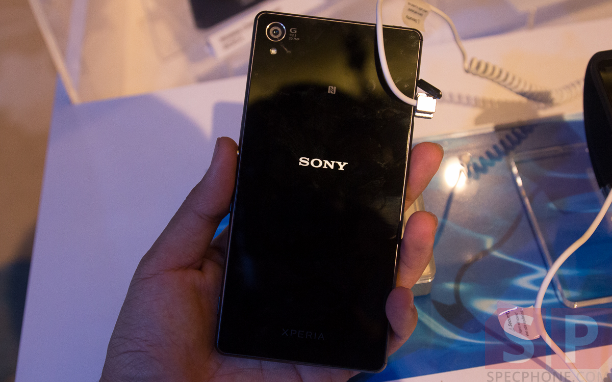 Hands-on-Preview-Sony-Xperia-Z3-Xperia-Z3-Compact-Xperia-Z3-Tablet-Compact-Smartwatch-3-Smartband-Talk-SpecPhone-36