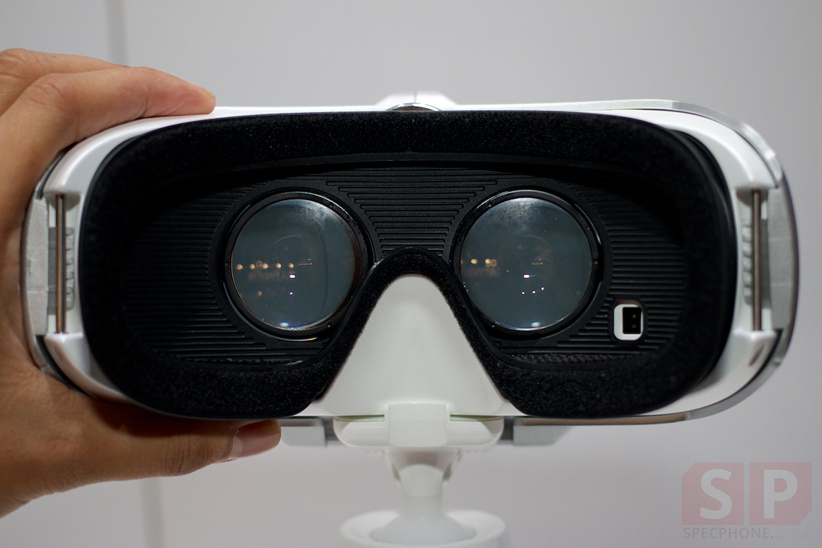 Preview-Samsung-Galaxy-Note-Edge-Gear-S-Gear-VR-TGS2014-SpecPhone 027