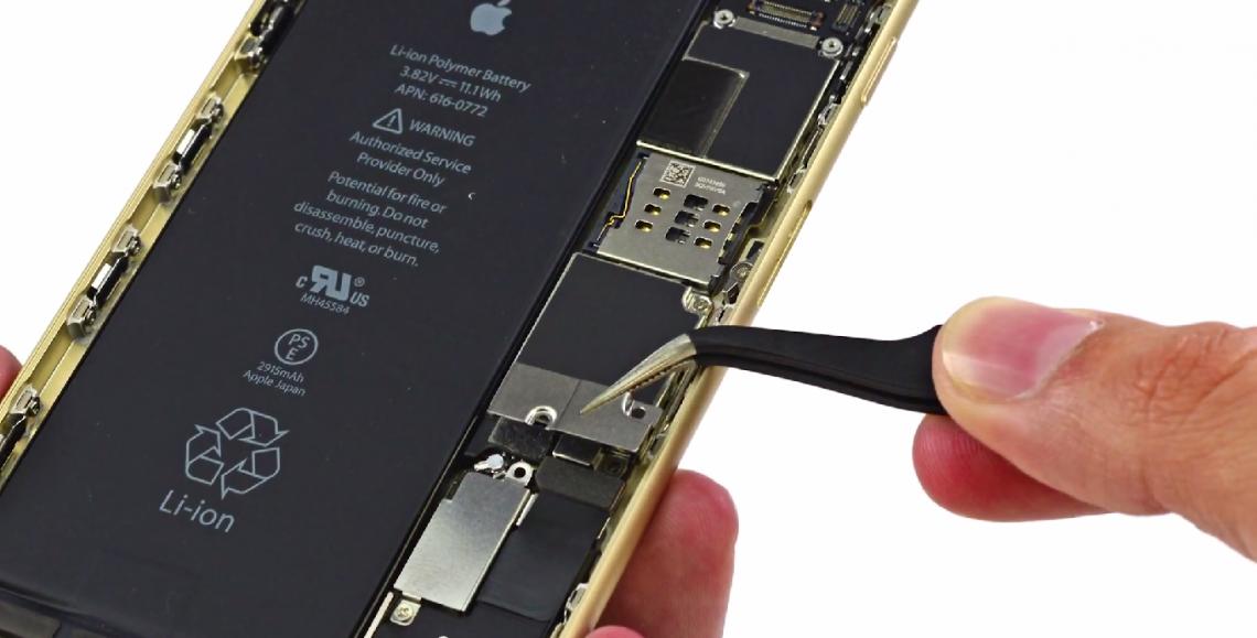 iFixit แกะ iPhone 6 กับ iPhone 6 Plus แล้วจ้า Ram 1 GB ทั้งคู่