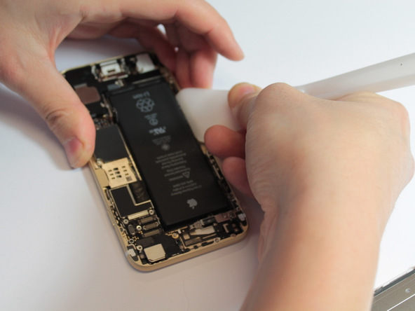 iFixit iPhone 6 and iPhone 6 Plus 009