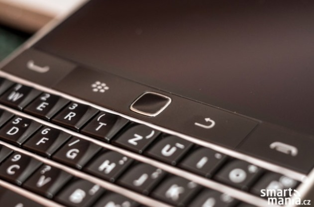 Images-of-the-BlackBerry-Classic