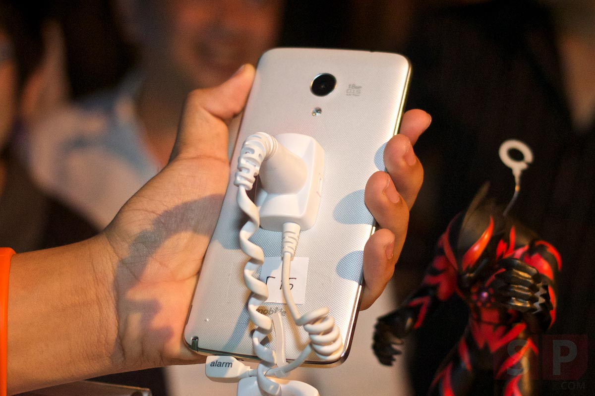 i-mobile-IQ-X-Ozzy-IQ-8.3-event-SpecPhone 050