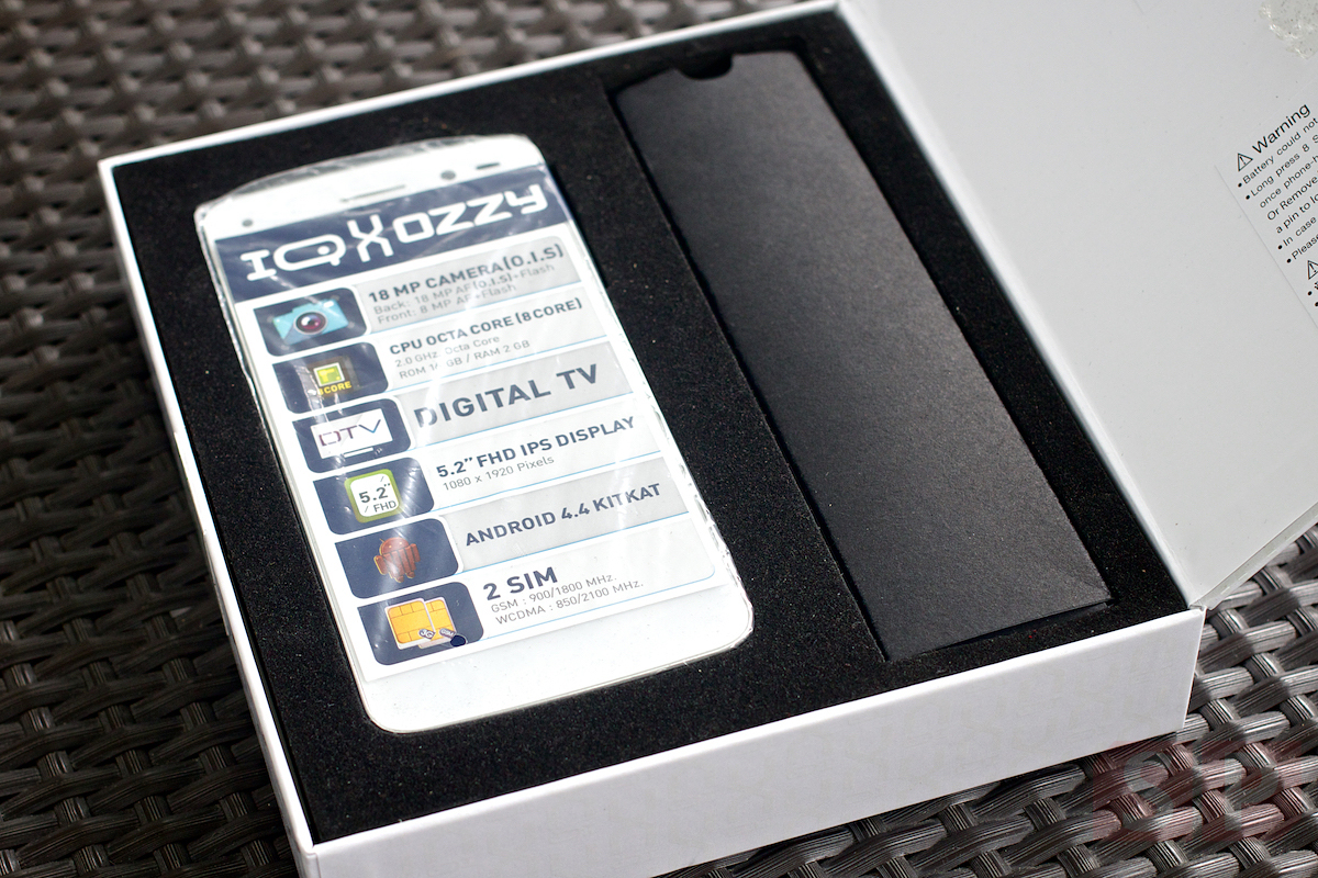 Review i mobile IQ X OZZY SpecPhone 005
