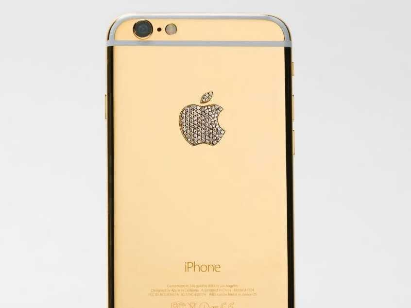 this-lux-iphone-6-by-brikk-is-plated-with-24-carat-gold-those-arent-swarovski-crystals-in-the-logo-those-are-diamonds-it-costs-8895