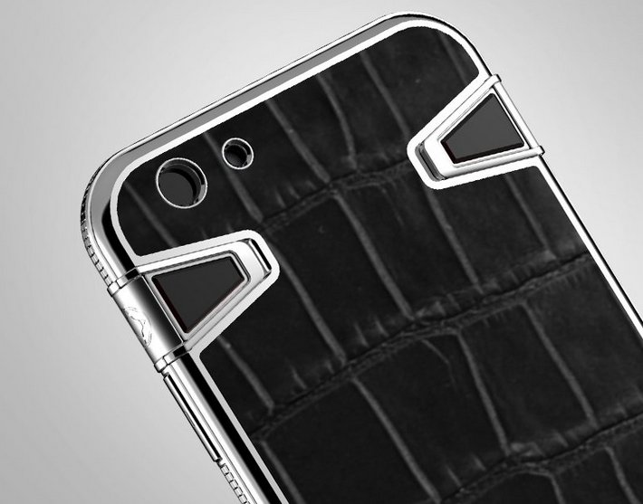 we-recognize-not-everyone-can-afford-a-custom-made-iphone-in-that-case-youre-best-off-with-a-high-end-case-like-this-one-from-atelier-made-of-alligator-and-steel-it-costs-about-2500