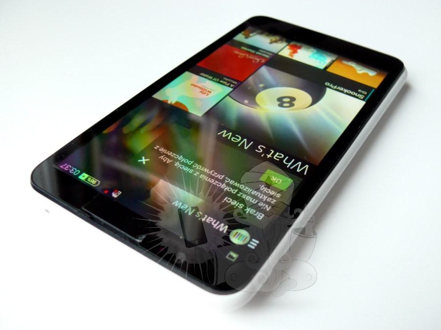 จับมาวัดกันทุกมุมกับ Sony Xperia E4 ปะทะ Sony Xperia Z1 Compact
