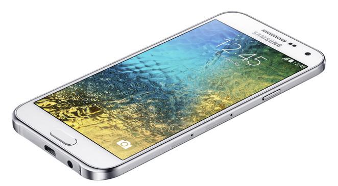 เยอะ!! Samsung Galaxy E5 จะวางขายในงาน TME 2015 ด้วย สนนราคา 9,500 บาทจ้า