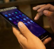 Preview-Hands-on-Acer-Iconia-Talk-S-SpecPhone-015