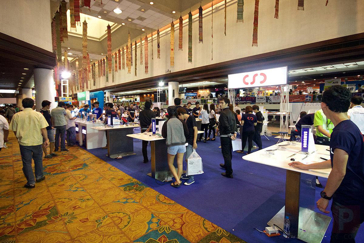Commart-Thailand-2015-Summer-Sale-SpecPhone-001