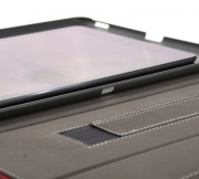 Comparison-jof-case-for-the-Apple-iPad-ProPlus-with-the-Apple-iPad-Air-2