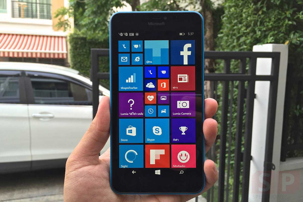 Unbox-Preview-Microsoft-Lumia-640XL-SpecPhone-013