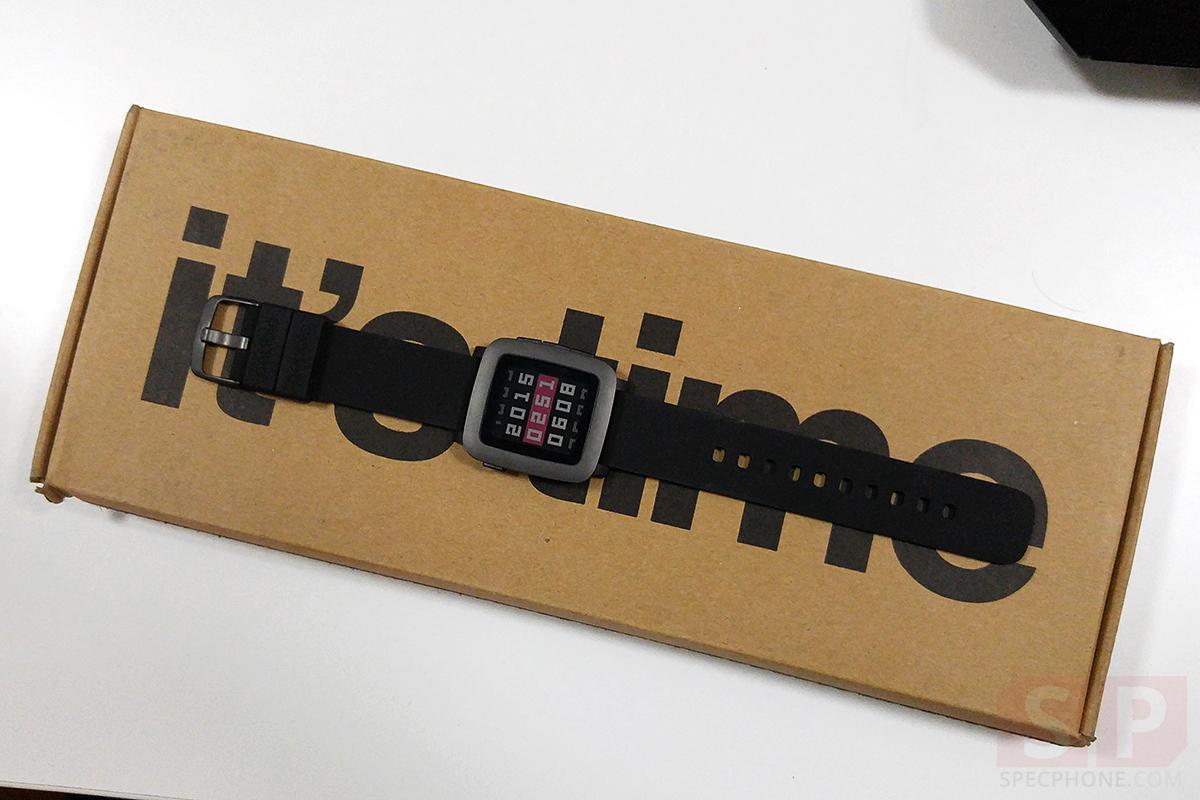 พรีวิวแกะกล่อง Pebble Time สมาร์ทวอทช์รุ่นสองที่มาพร้อมจอสี จากโครงการบน KickStarter