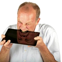 Russian man tries to eat his tablet to a disastrous effect