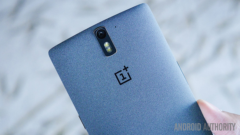 oneplus-one-unboxing-25-of-29-840x473