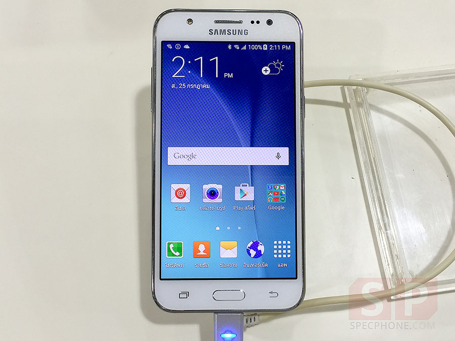 Hands-on-Samsung-Galaxy-J5-SpecPhone-001