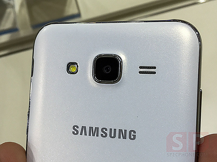 Hands-on-Samsung-Galaxy-J5-SpecPhone-007