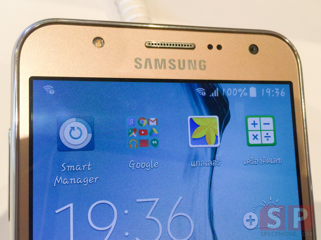 Hands-on-Preview-Samsung-Galaxy-J7-SpecPhone-003