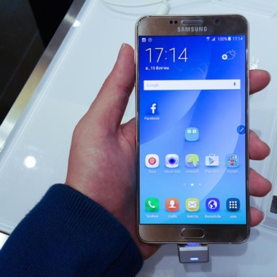 Hands-on-Samsung-Galaxy-Note-5-SpecPhone-002