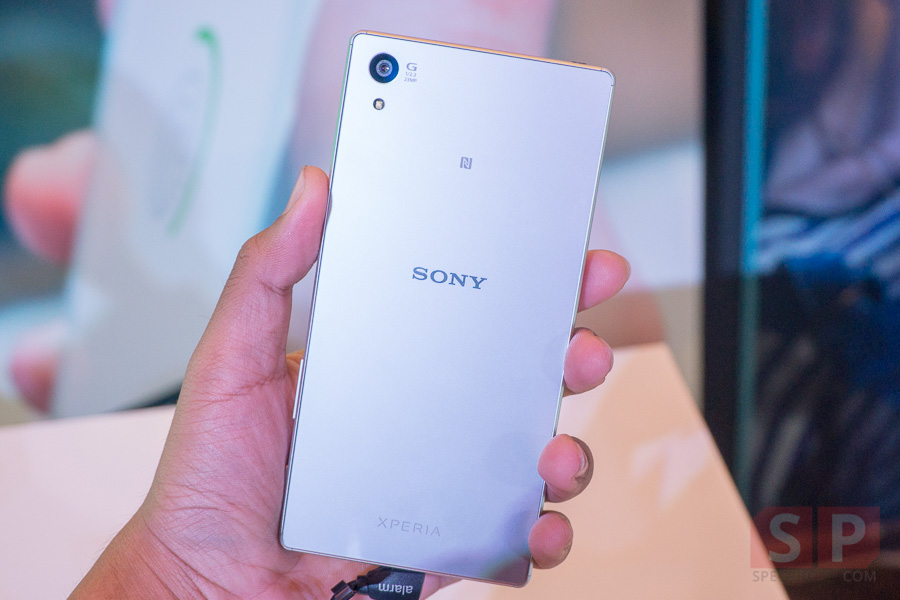 Hands-on-Sony-Xperia-Z5-SpecPhone-002