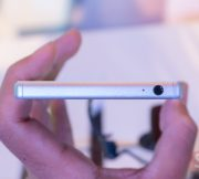 Hands-on-Sony-Xperia-Z5-SpecPhone-011