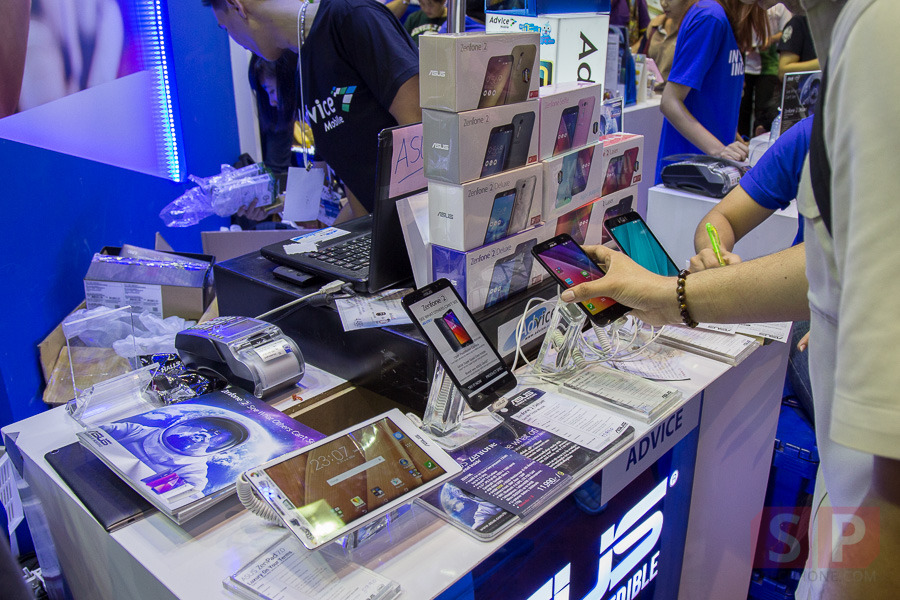 TME-2015-Booth-ASUS-Zenfone-2-SpecPhone-004