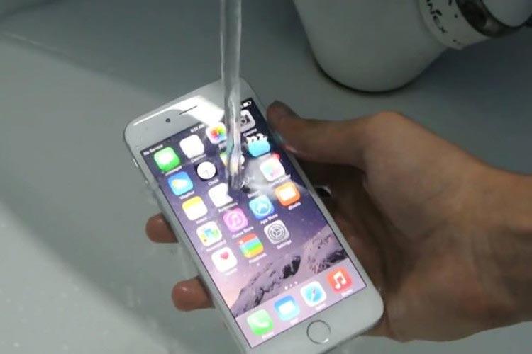 iPhone 6S และ iPhone 6S Plus สามารถกันน้ำได้จริงหรือ?