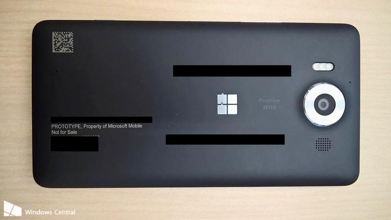 Lumia 950-back2