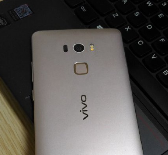 หลุดภาพตัวเครื่อง Vivo Xplay 5S ตัวเป็นๆออกมาแล้ว!!