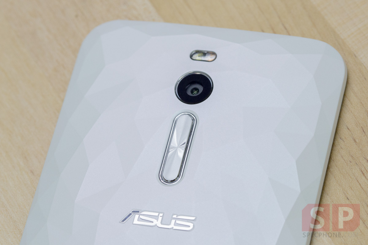 Review ASUS Zenfone 2 Deluxe SpecPhone 0031