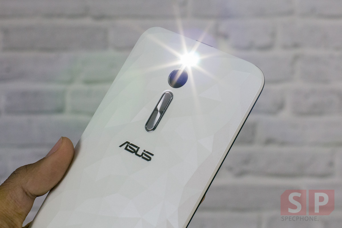 Review-ASUS-Zenfone-2-Deluxe-SpecPhone-023