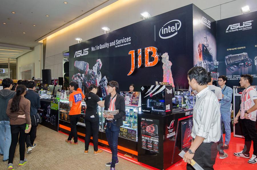 บรรยากาศบูธ ASUS ในงาน Thailand Game Show BIG Festival 2015 เทคโนโลยีก็ดี พริตตี้ก็แจ่ม!!