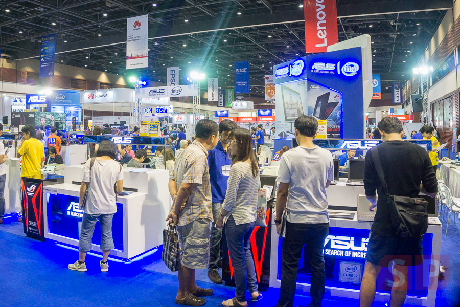 Booth-ASUS-Commart-Comtech-2015-SpecPhone-001