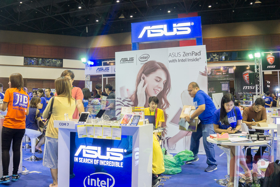 Booth-ASUS-Commart-Comtech-2015-SpecPhone-013