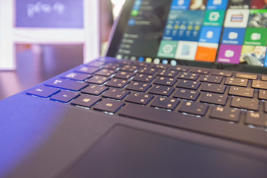 Hands on Microsoft Surface Pro 4 SpecPhone 00031