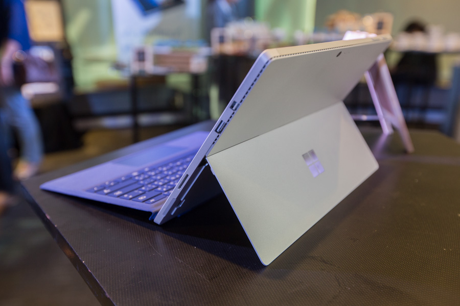 Hands on Microsoft Surface Pro 4 SpecPhone 00037