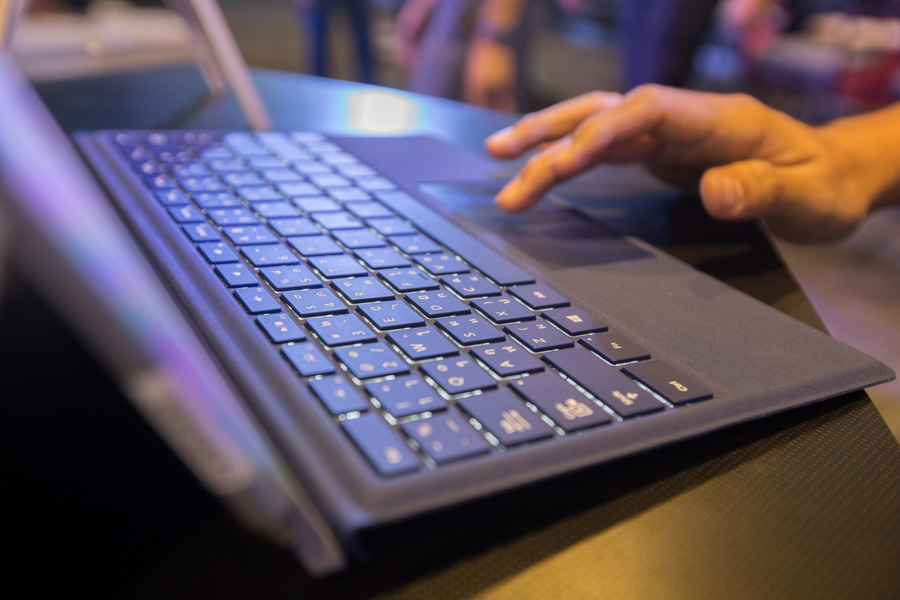 Hands on Microsoft Surface Pro 4 SpecPhone 00053