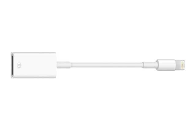 Apple ประกาศอย่างเป็นทางการแล้วว่า สาย Lightning-to-USB Camera Adapter สามารถใช้กับ iPhone ได้แล้ว